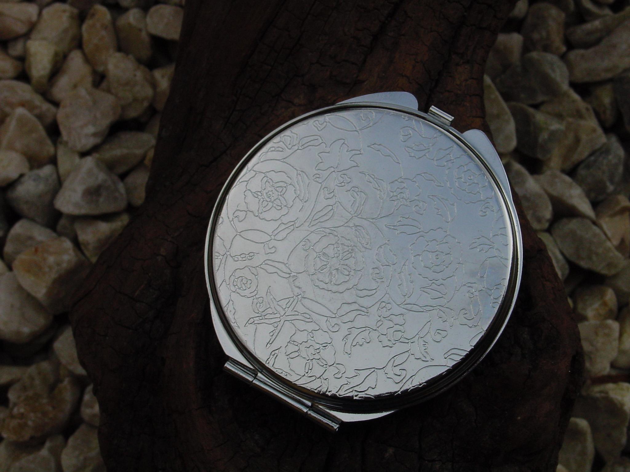 miroir de sac verre vitrail le petit atelier d 39 isa. Black Bedroom Furniture Sets. Home Design Ideas